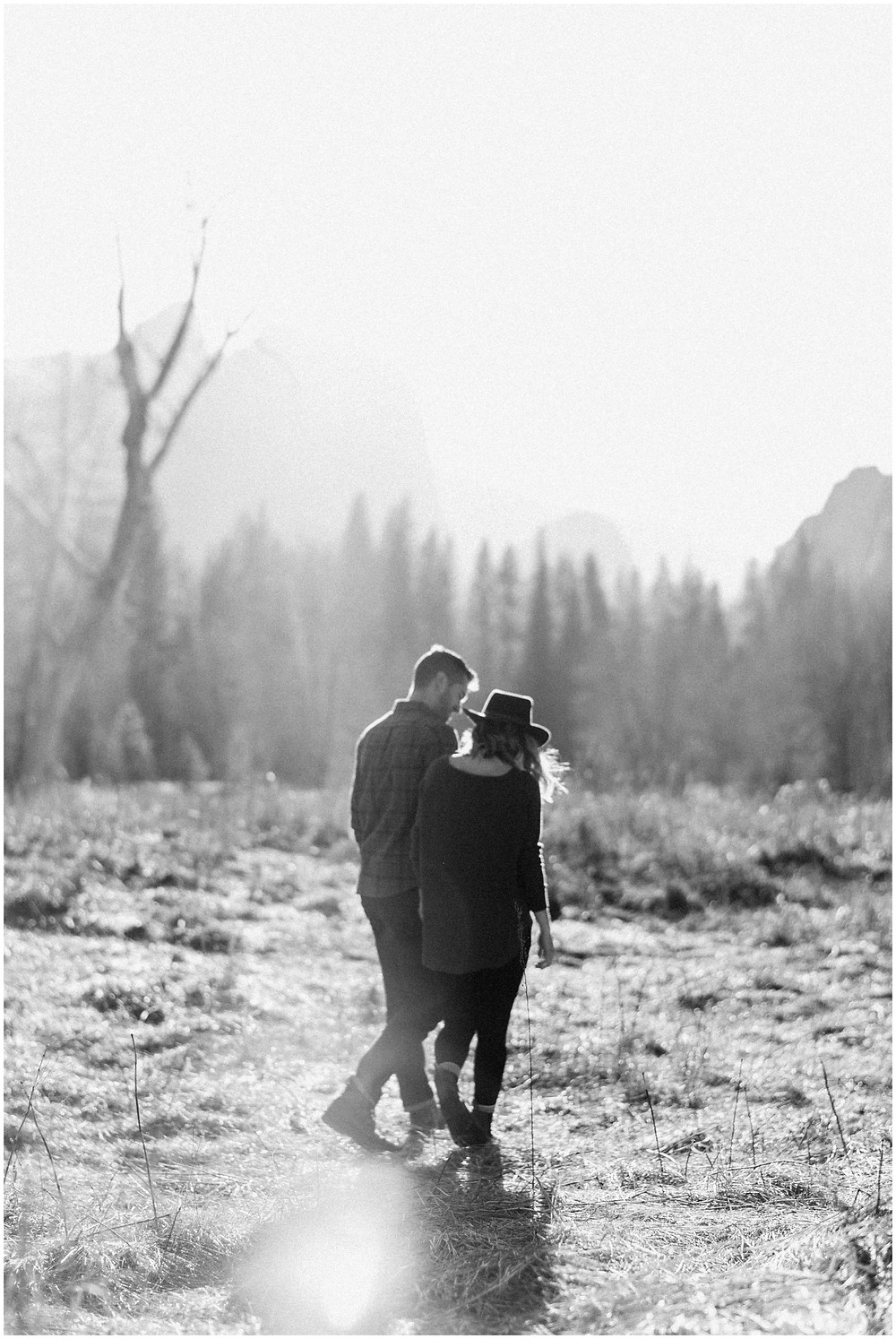 Sunny engagement photos in Yosemite, California by Mountainaire Gatherings