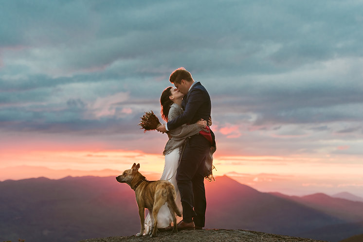 Sunrise Elopement on the summit of Casca