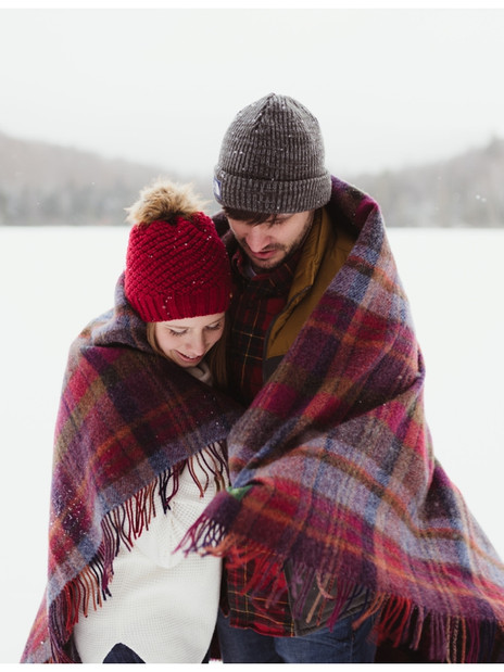 Kimmie & Michael : A Snowy Lake Placid Engagement Session