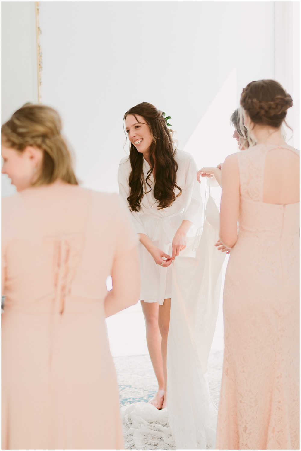 Light and airy spring time wedding at the Takk House in Troy, NY by Mountainaire Gatherings