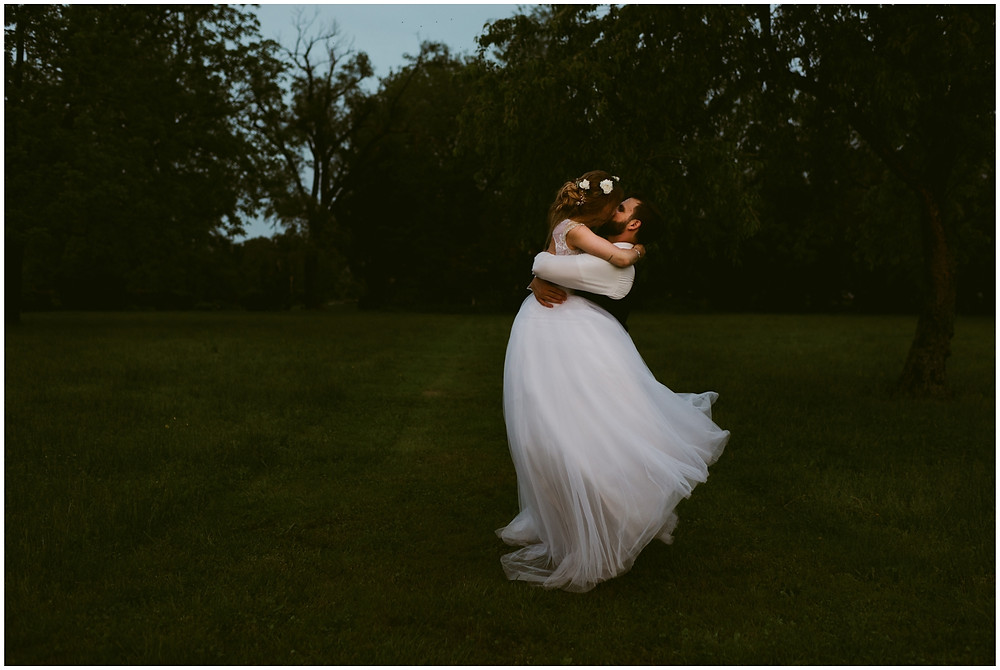 Golden hour sunset portraits at Worsell Manor in Maryland