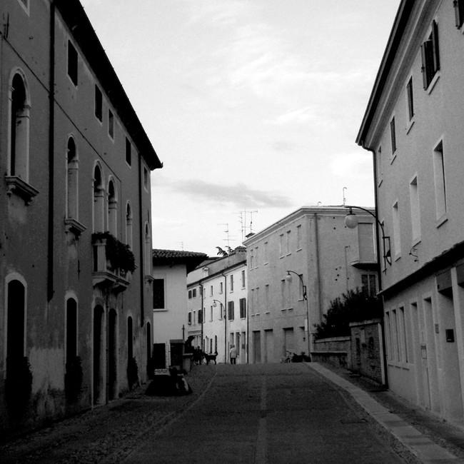 Travel_Venice_Allley.jpg
