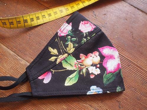 Mondkapje zwart bloemen 'Special'