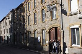 Façade du musée de Panissières.JPG