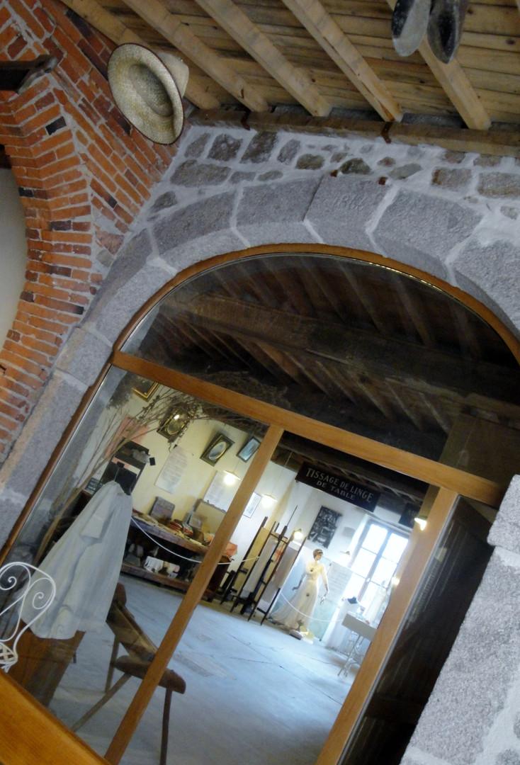 Porte de l'ancienne calandre