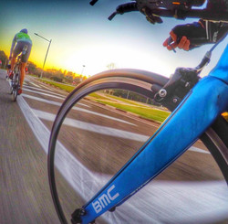 Ciclismo sempre com nascer do sol