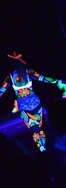 kando facepainting uv body paint - blacklight, ribbon dancer