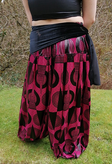 DIVA! DIVINITY LOONS, burgundy/ black abstract