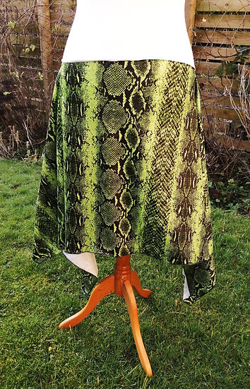 STRAIGHT CUT HIP SKIRT: lime and black snakeskin