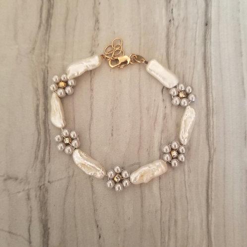 Forget me Not - Pearl bracelet