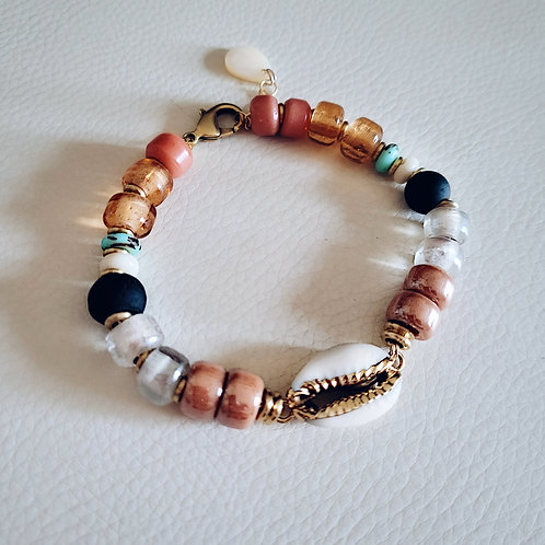 Amber glow Shell Bracelet