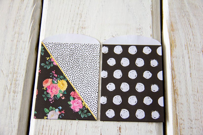 Flowers and Dots Paper Gift Card Bags