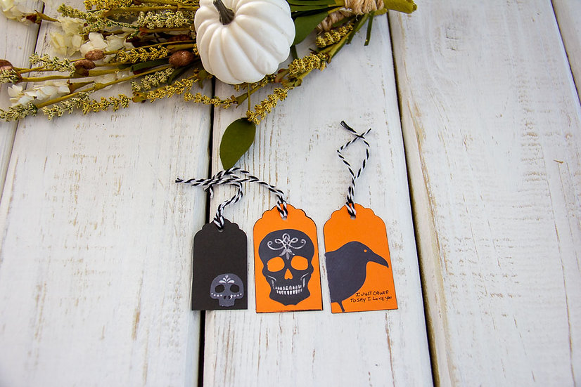 Various Sizes Halloween Tags - Assorted