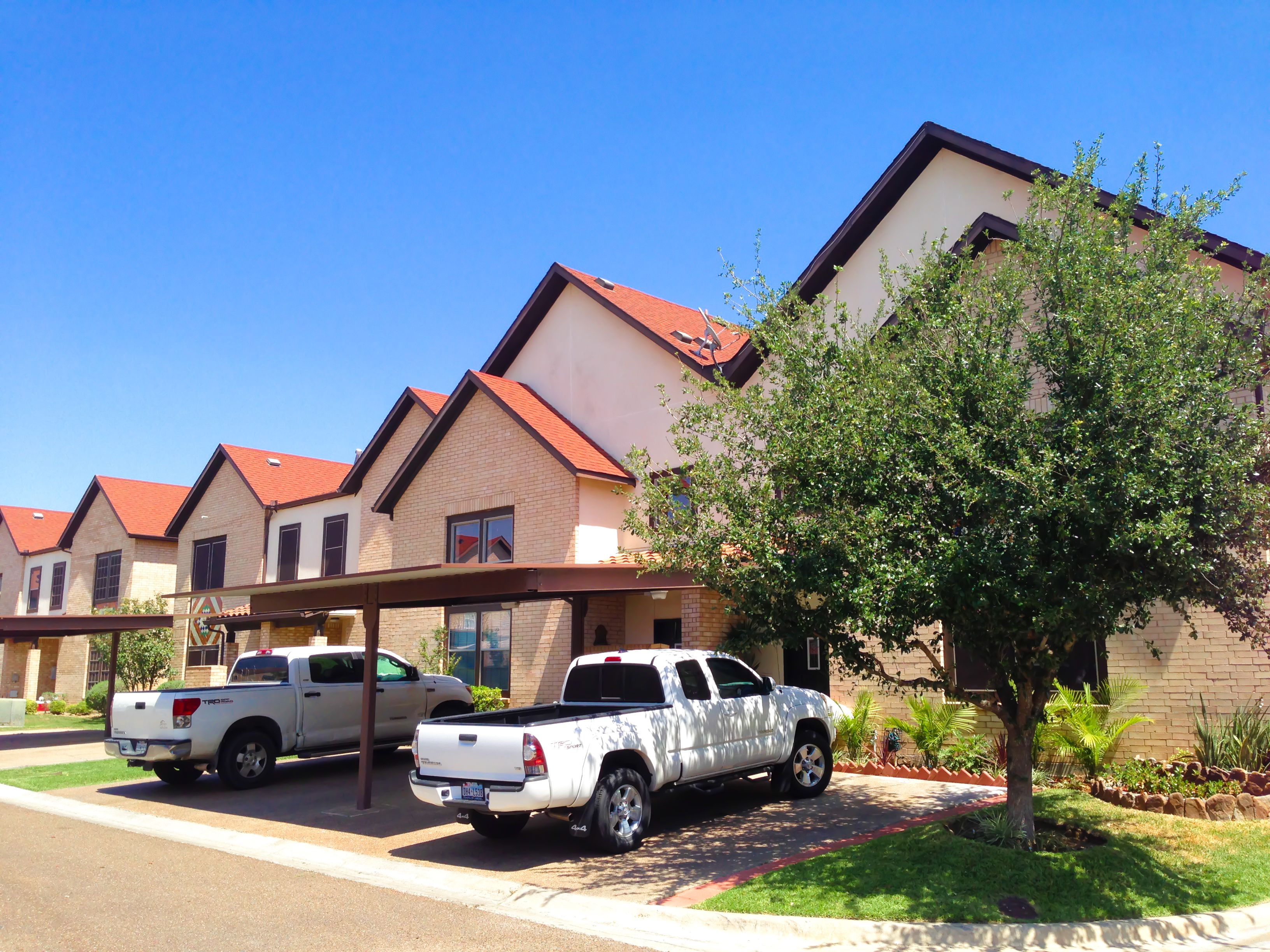 MONARCH TOWNHOMES