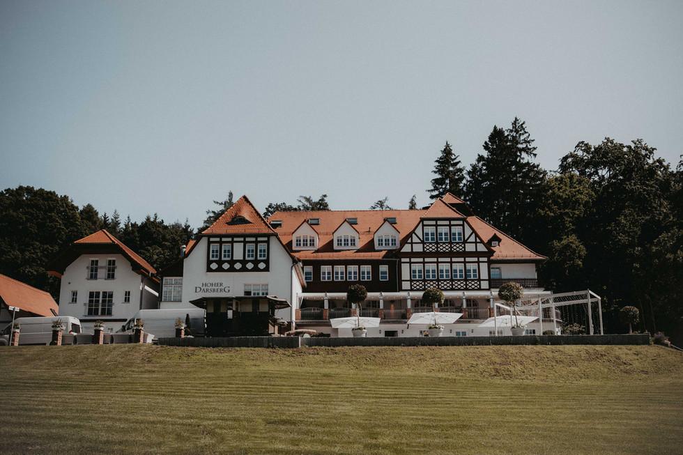 Heiraten auf dem Hohen Darsberg | Atemberaubende Location für Eure Hochzeit | Elegant, Modern, Boho