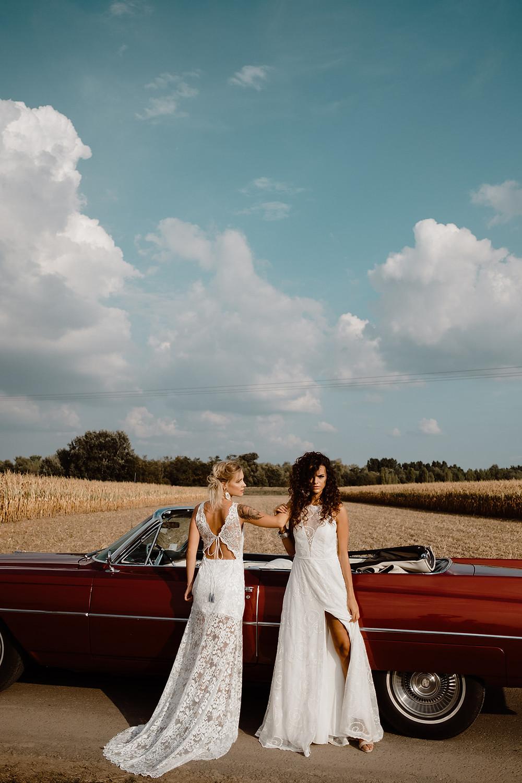 Brautkleid aus Spitze mit Schleppe