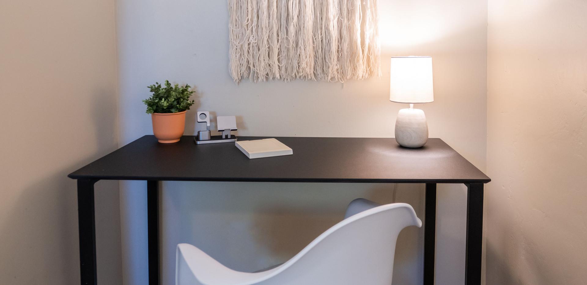 Bedroom A | Desk Nook