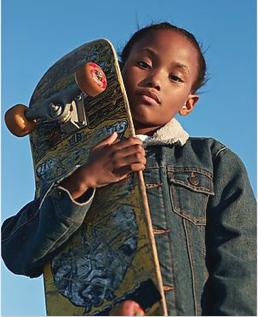 fille fait du skate