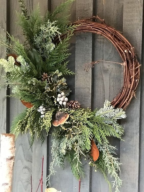 Natural Grapevine Wreath with DriedElements