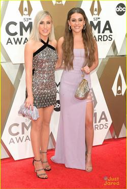 Maddie & Tae