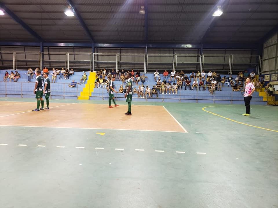 Mientras se desarrollaba el partido entre Abangareños y limonenses.