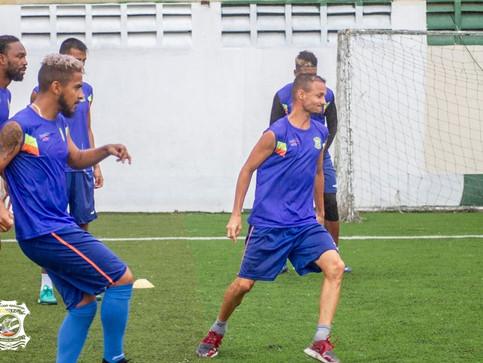 Universitarios y Cartaginés mandan a Limón FC al sótano de la lucha por el no descenso