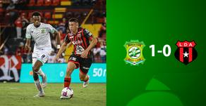 Limón FC derrota a Alajuelense y se aleja cada vez más del descenso