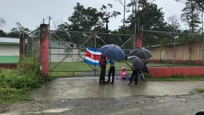 Padres de estudiantes de Limón 2000 mantendrán huelga.
