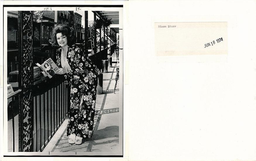 Blaze Starr reads her book (Press photograph reprint)