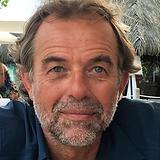 Rolf Headshot_Tahiti.png