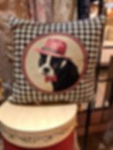 Coussin chien bulldog habillé Forcalquier