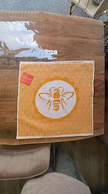 Essuie mains coucke abeille deco meuble forcalquier alpes de haute provence 04