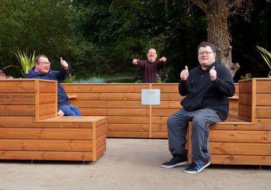 Vivo Care clients at The Friendly BenchⓇ Chester