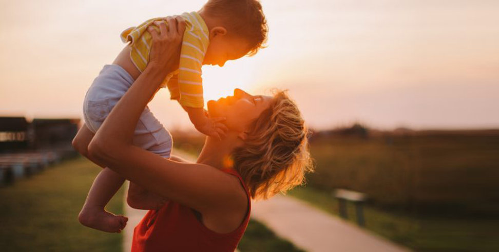 Mothers-talk-more-with-their-sons-if-the