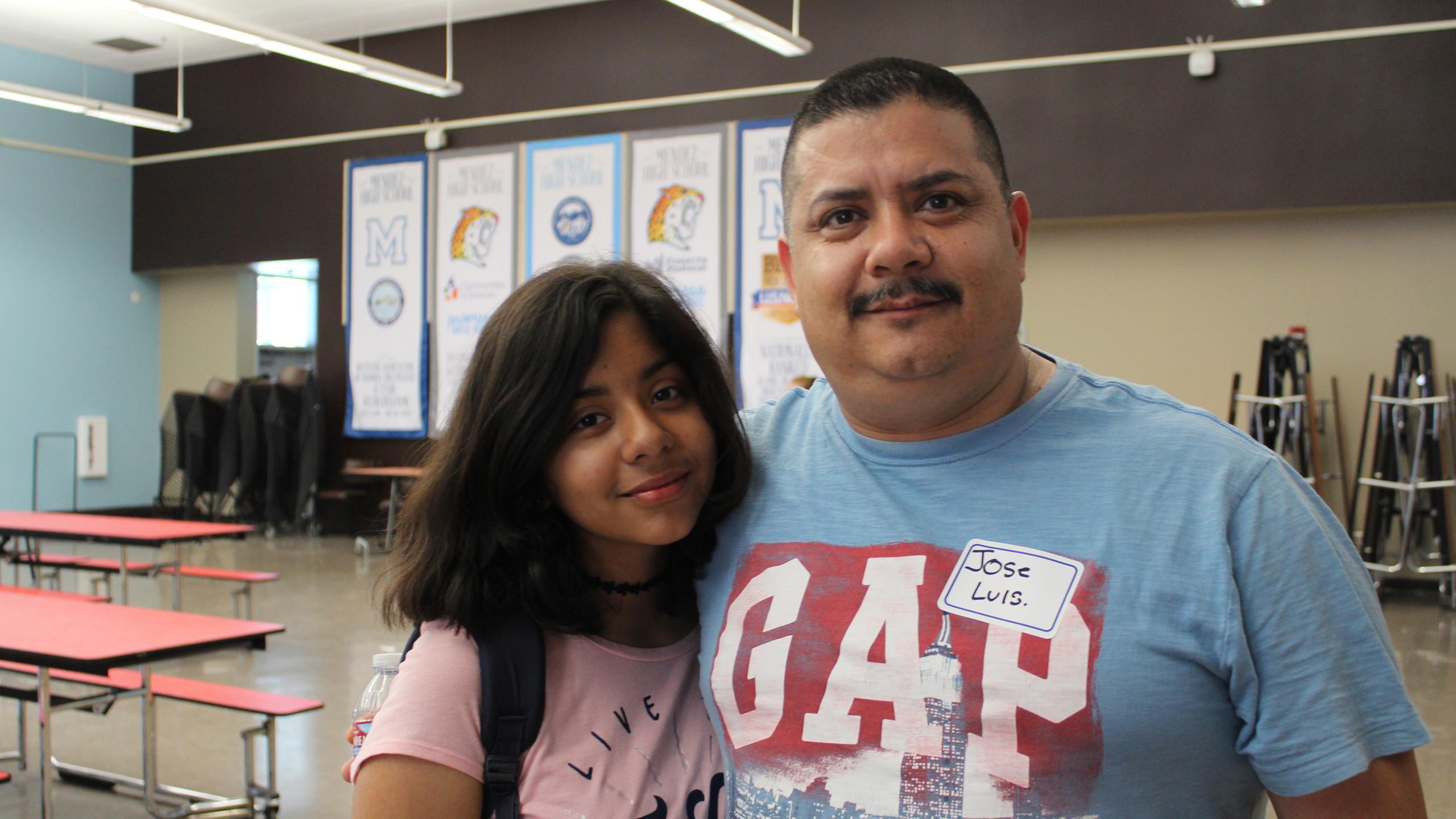 Incoming Mendez student and her dad at Summer Bridge 2017.