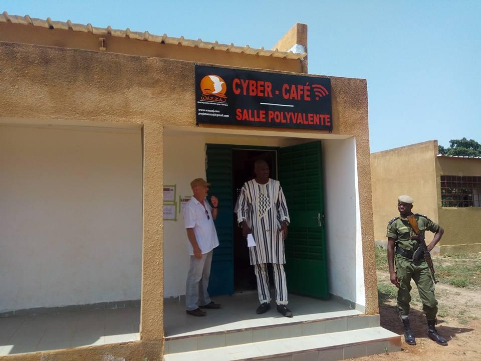 Le cyber-café Wazzaj ouvert à tous