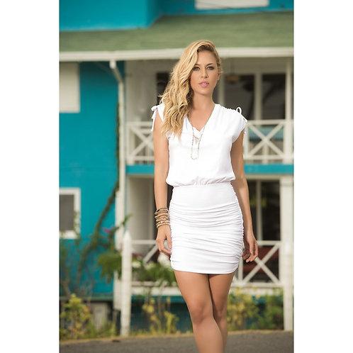 magnifique robe trés moulante d'été blanche sexy pour profiter de vos voyages
