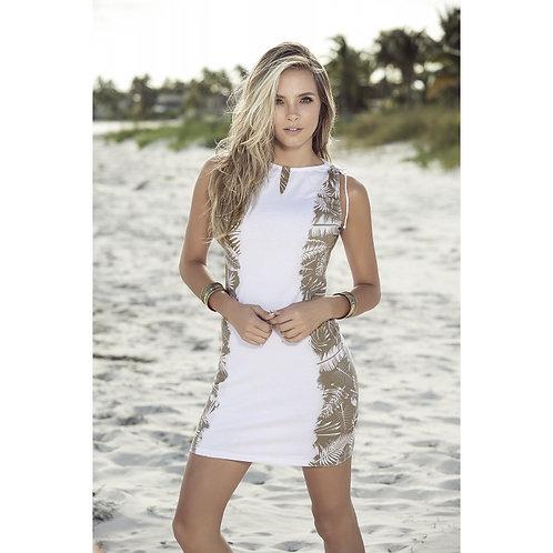 jolie robe d'été blanche pour profiter du soleil