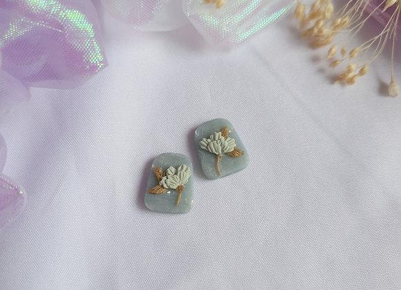 Jade Florets Stud 006