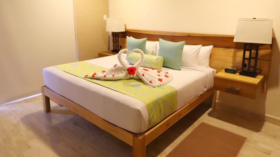 1 week 1 bedroom special week