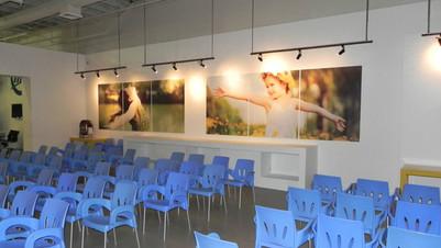 Salud Plaza Las Americas Salón Espera.jp