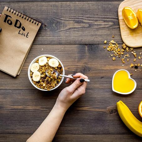 5 stvari, ki jih uspešni ljudje naredijo še pred zajtrkom