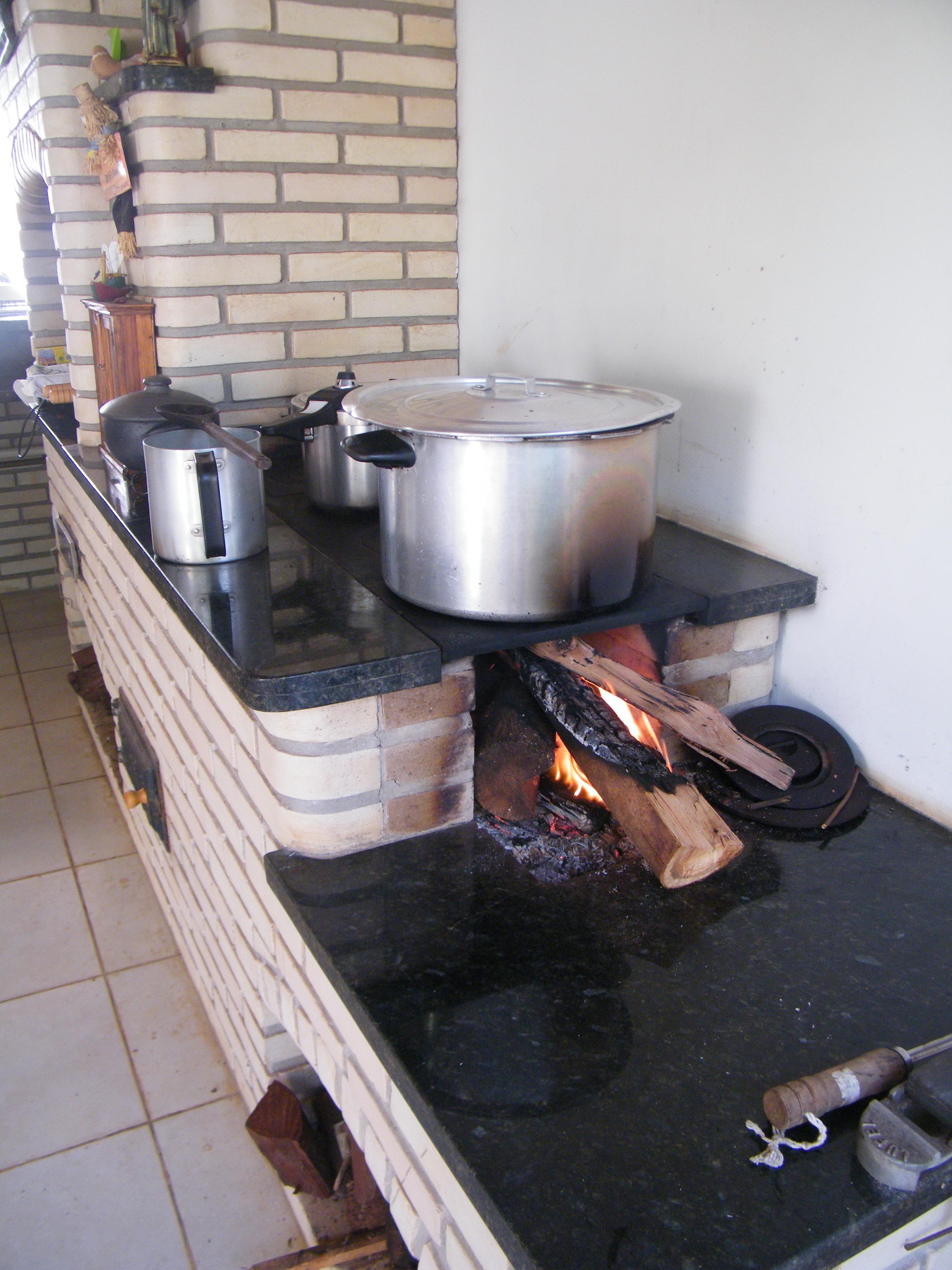 Mutirão de preparação dos Festejos de São João - 24-05-201505.JPG