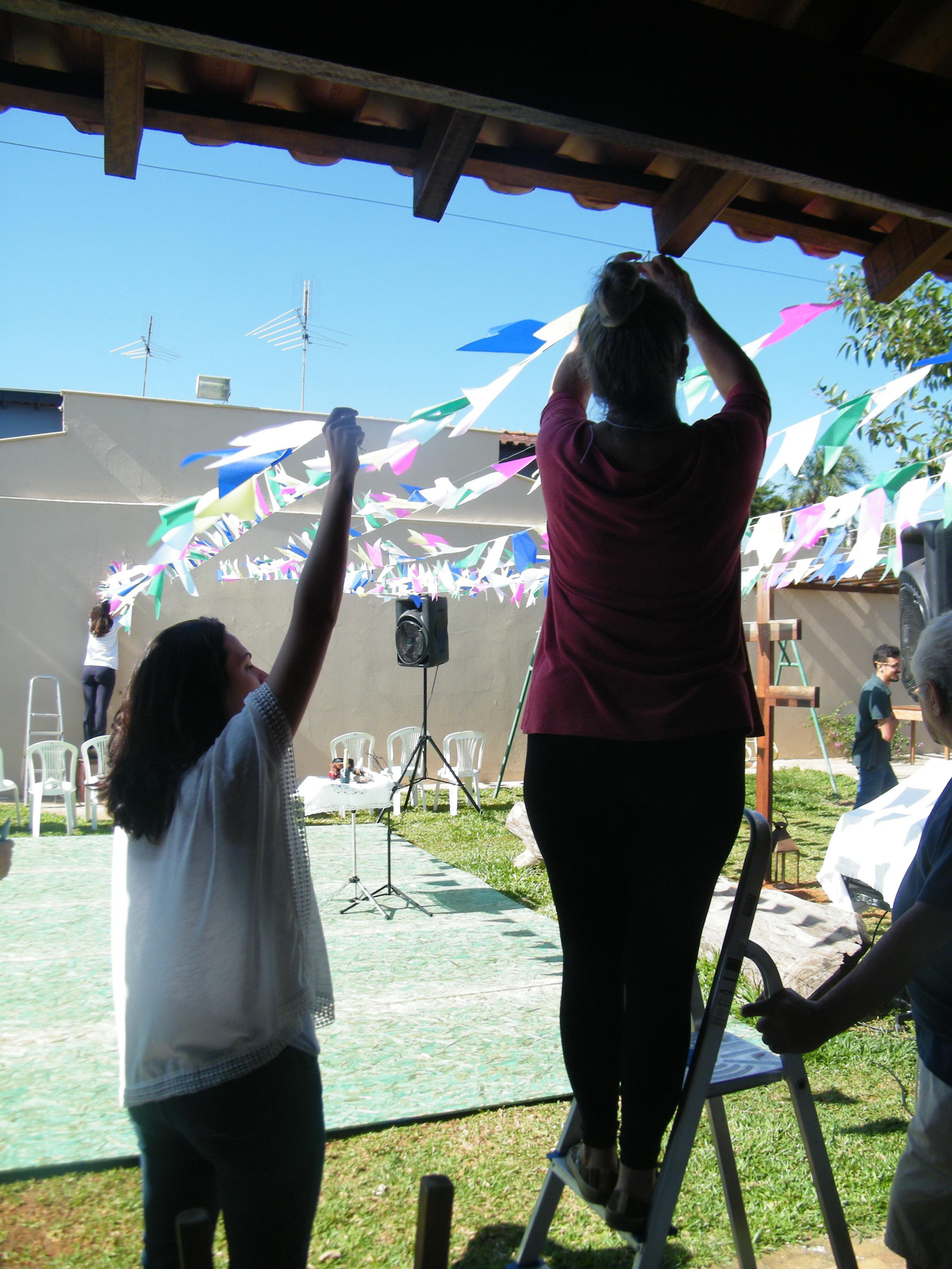 Montando_o_salão_para_Festejos_de_São_João_2015_-_foto_Selma2.jpg