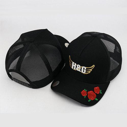 Boné Preto com bordado de rosas