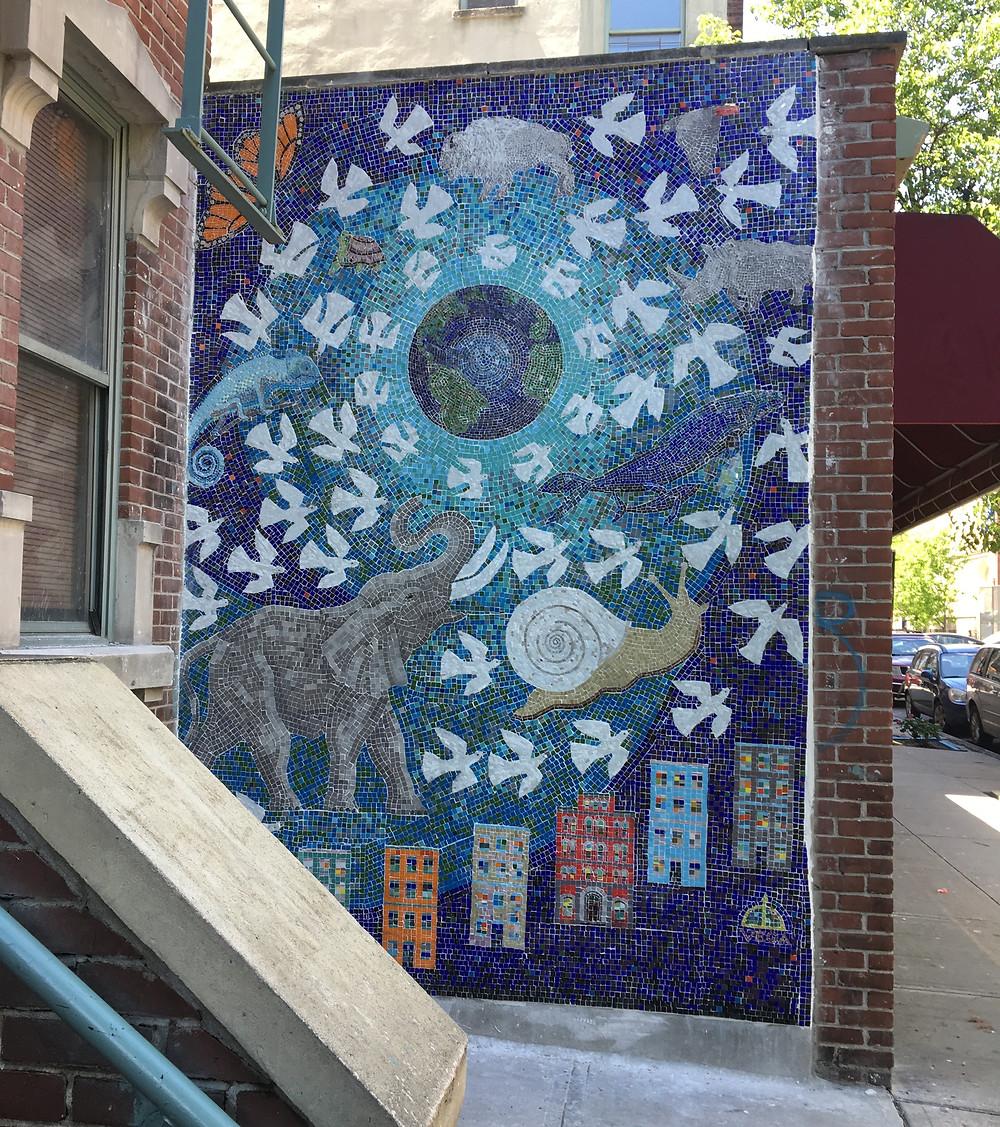 "Manny Vega's latest mosaic, ""Al Ritmo de la Paz,"" debuts in East Harlem"