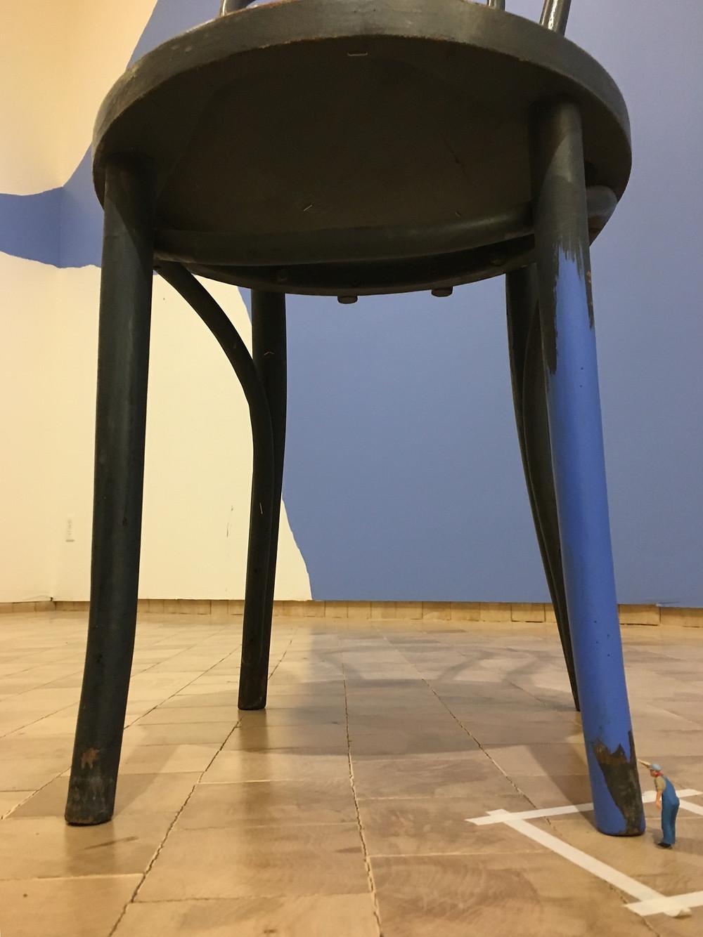 Untitled (Man Painting Chair III), 2015, Liliana Porter