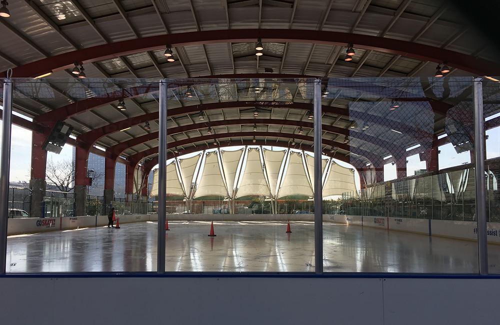 The ice skating rink at Riverbank State Park