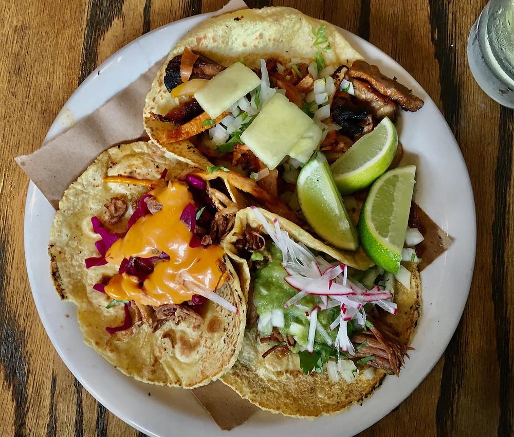 The fresh tacos at Osos