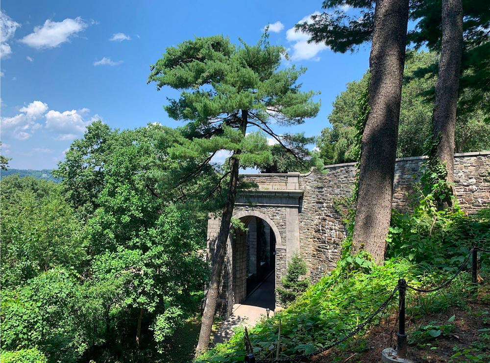 The Billings Arcade, the hidden remains of a spectacular mansion in Fort Tryon Park